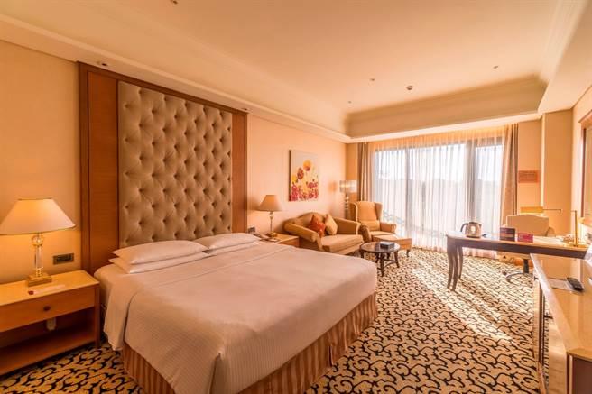義大皇家酒店迎接跨年假期,推出3天2夜或4天3夜專案。(義大世界提供)