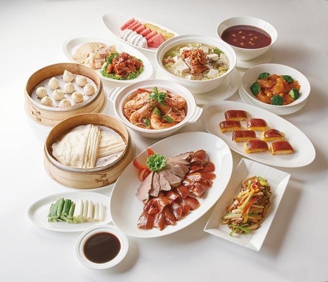 選購台北福華ITF旅展四人合菜券2,500元,輕鬆享用江南春掛爐烤鴨。圖/業者提供