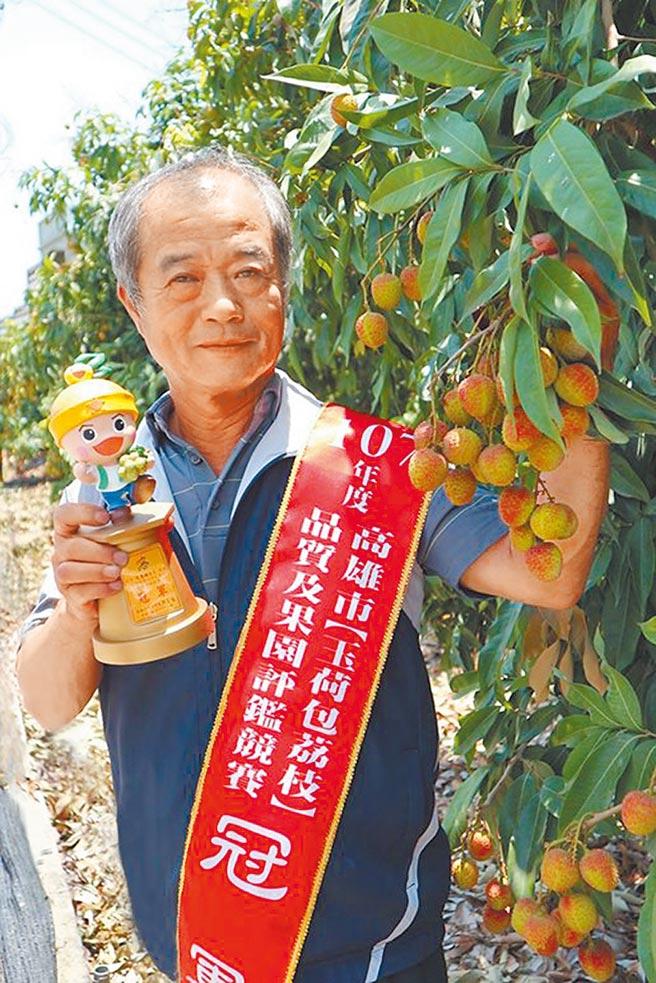 尤惠璋以精緻農業及提高生產效率為經營目標,創造農民與消費者雙贏局面。(林雅惠攝)