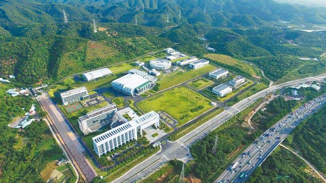 大陸五年規畫皆依各時期願景訂定,圖為2011年9月開工建設的中國散裂中子源裝置園區鳥瞰圖。(中新社資料照片)