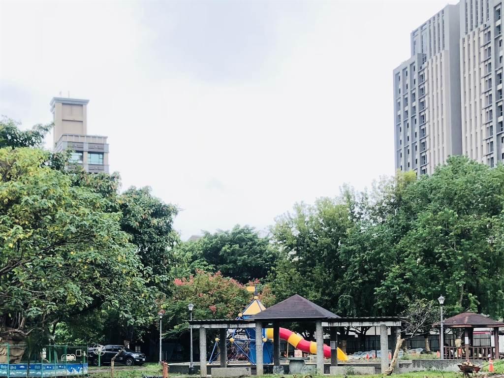 北市公園禁止收費教學及買賣,體育局:違者裁處重罰。(吳康瑋攝)