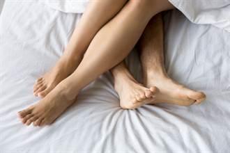人妻传讯「你才是我的真爱」 快递男爽回:想把妳整人压在床上