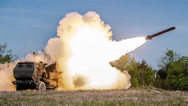 大陸軍事專家評論最新美台軍售時認為,海馬斯是威脅最大的武器。(圖/美國陸軍)