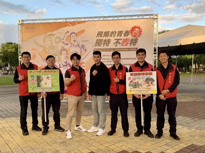 宣導活動特別邀請台灣最速男、2017年世大運金牌好手楊俊瀚等運動好手代言。(翻攝照片/林郁平台北傳真)