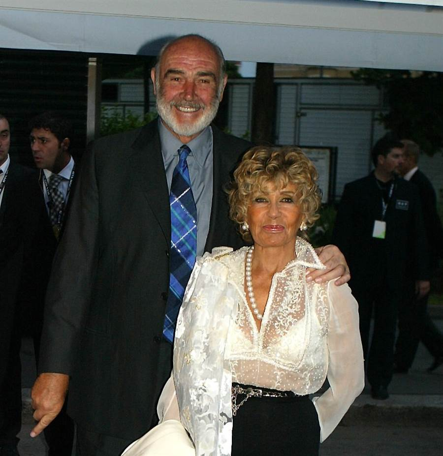 Barbara edens tits
