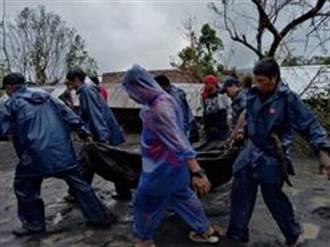 超強颱風天鵝撲菲律賓 至少4死 百萬人疏散