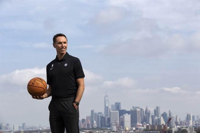 籃網新總教練納許回憶當時聽到布萊恩墜機身亡噩耗的反應。(取自籃網官推)