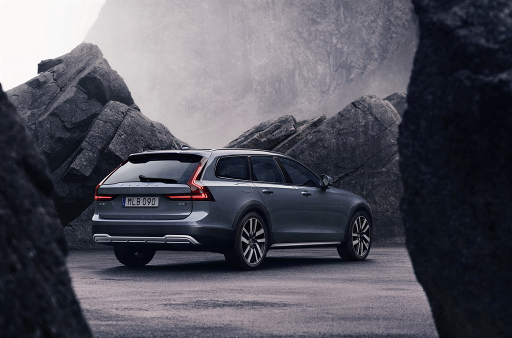 259萬單一規格,小改款 Volvo V90 Cross Country B5 Momentum 正式上市
