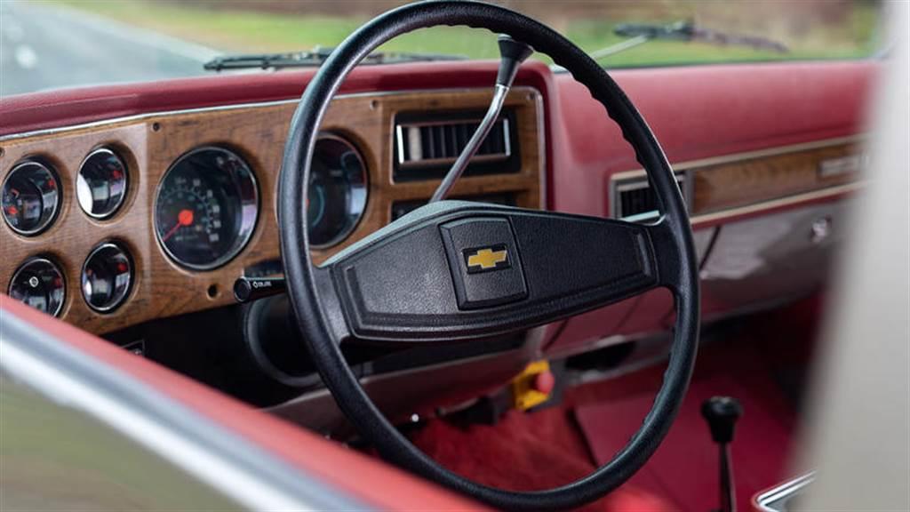 雪佛蘭推出「油改電」EV 改裝套件:三十年骨董老車 重獲新生 200 匹馬力電動車