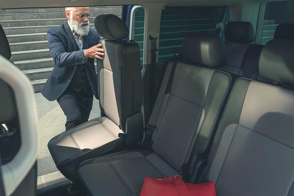 T6.1 Caravelle 以長軸9人座、短軸8人座靈活多變的座椅配置滿足消費者不同的需求。