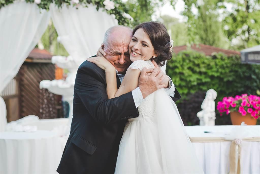 78歲老翁娶17歲嫩妻 羞喊「生孩子」22天後結局悲慘(示意圖/達志影像)