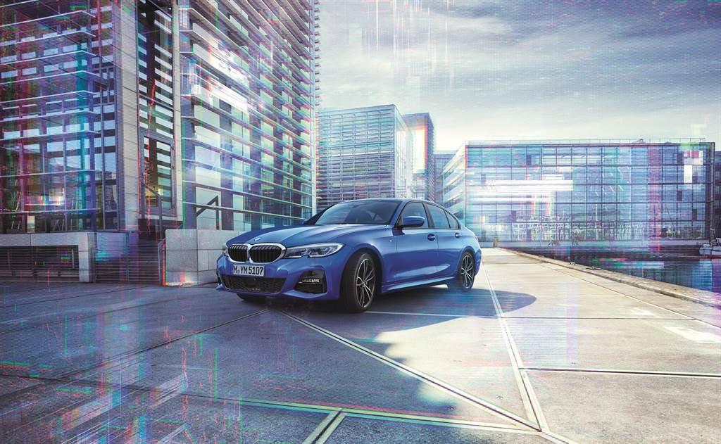 全新2021年式車型 2.0L 318i Luxury、320i M Sport、330i M Sport,均可享有0利率輕鬆坐擁方案,本月入主指定車型更可享1年乙式全險。