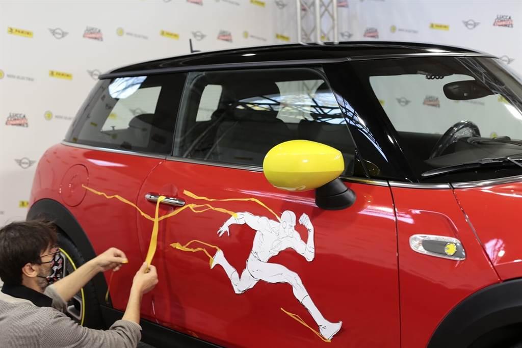 MINI Electric慶祝閃電俠80歲生日 以Cooper SE呈現彩繪藝術創作