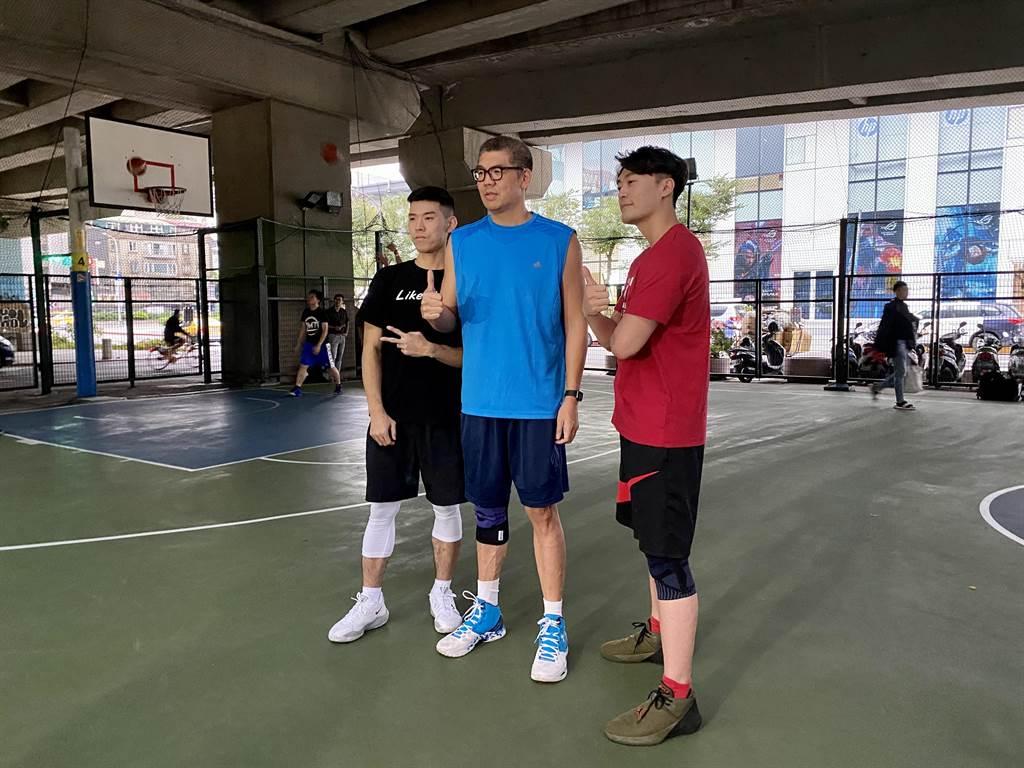 連勝文下午打籃球時受訪。(連勝文辦公室提供)