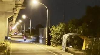 黃偉哲PO文「每盞燈都是市府責任」 網轟:要死人才有經費?