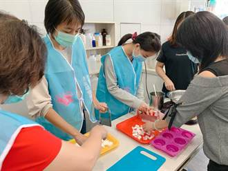疫情致慢飛天使手作訂單減 暖心老師協助製作愛心肥皂義賣