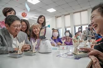 竹縣AI青年種子教師出馬 阿公阿婆AI初體驗