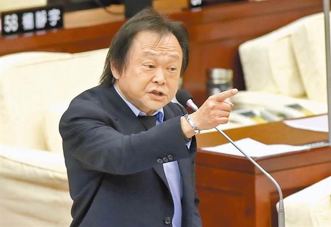 台北市議員王世堅表示:「應該要對加害者處以極刑,且速審速決。」(攝影/陳宏睿)