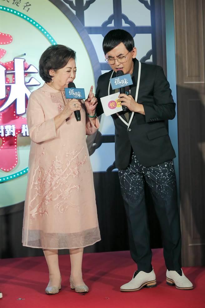 陳淑芳與黃子佼在首映會上互動十分幽默。(盧禕祺攝)