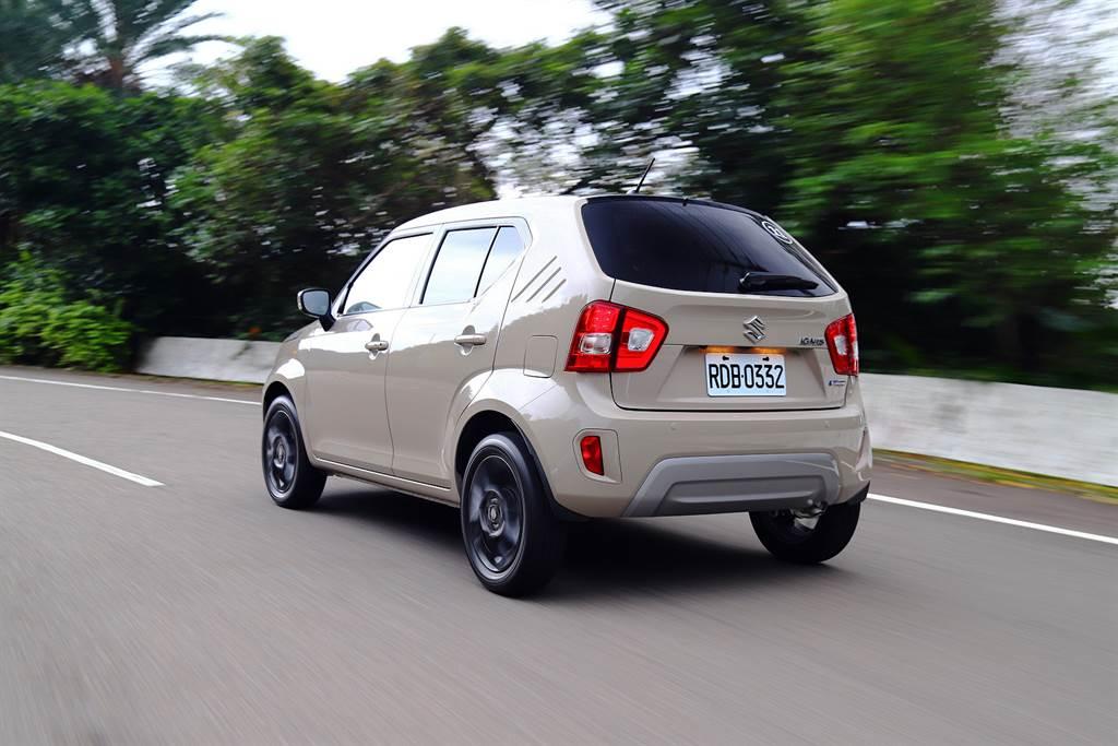 緊湊的車身與短捷的軸距是SUZUKI IGNIS Hybrid靈敏刁鑽的最大來源。