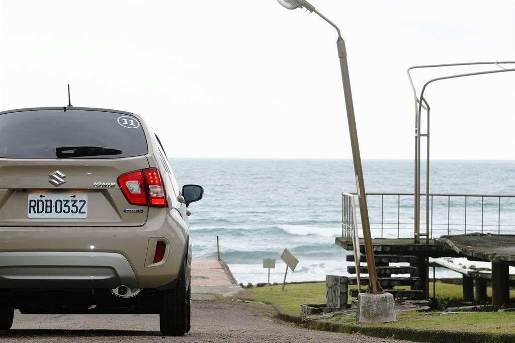 雖然Mild Hybrid輕油電系統無法以純電行駛,但藉由輔助引擎輸、減低引擎負擔,從而降低CO2排放及節省油耗,已讓SUZUKI IGNIS Hybrid擠身環保小尖兵之列。