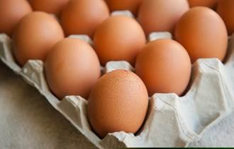 打開雞蛋驚見白色「小珍珠」 內行揭原因