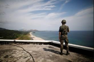 棄朝投韓  一名北韓人逃向韓國被守軍抓捕