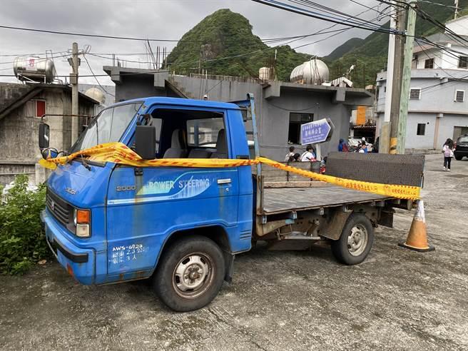 網友表示,蘭嶼路上的車高達8成沒有車牌,在海風侵蝕下,報廢車輛經常發生危險。(圖/翻攝自臉書靠北潛水)