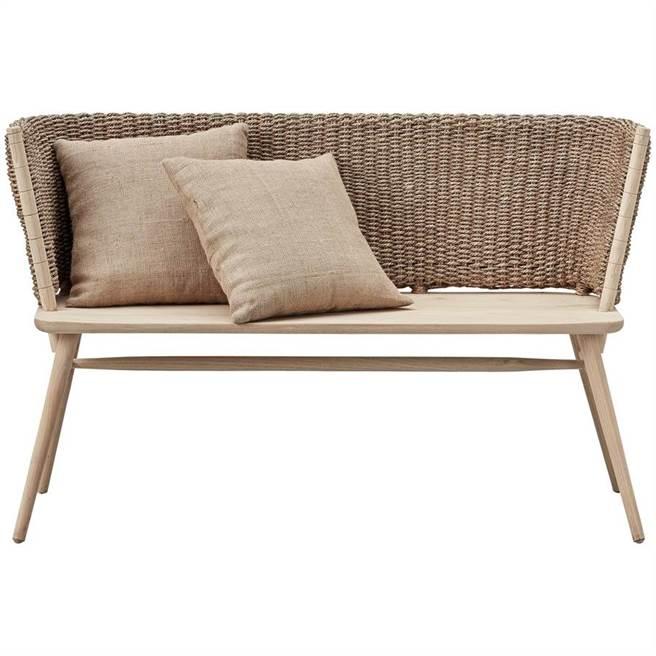 圖四:丹麥品牌Lene Bjerre編織休憩扶手長椅,119X55 CM,6萬830元。(夏馬城市生活提供)