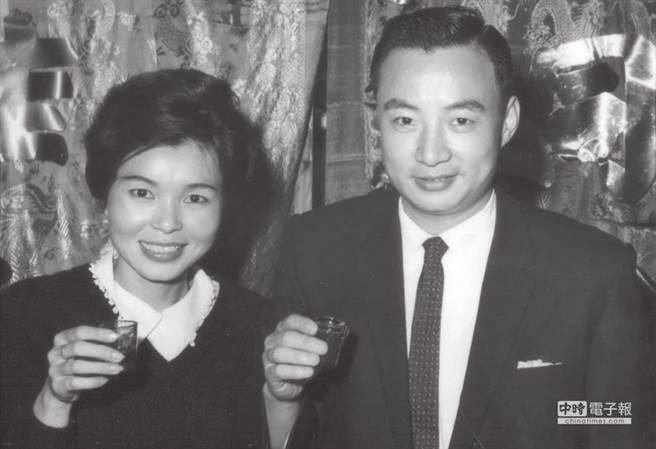 紀露霞當年急流勇退,嫁給飛官高必達退出歌壇。(圖/中時資料照)