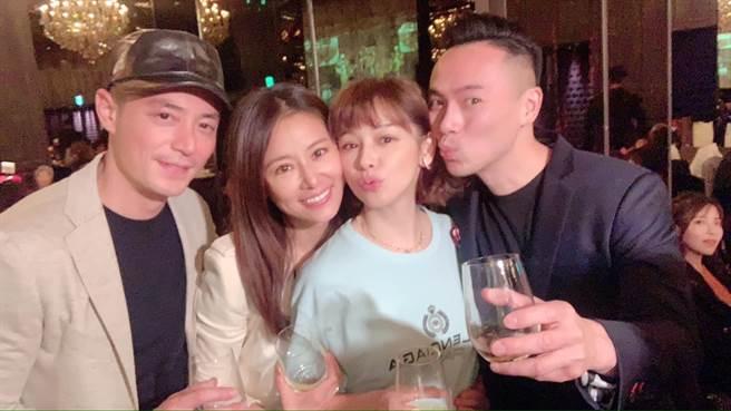 霍建華、林心如、徐若瑄、李雲峰兩對夫妻在林爸壽宴上合影。(摘自徐若瑄臉書)