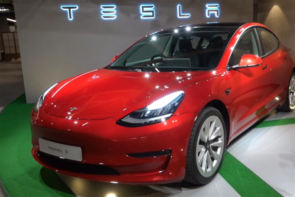 2021 年新版 Model 3 搶先看:12 個全新功能配備 近距離直擊!