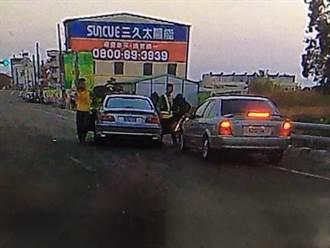 超車挑釁公路上演追逐秀 3煞不爽砸車遭警逮
