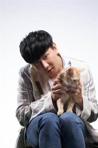 林俊傑拍MV誤觸不該碰的部位 笑稱離「稱職貓奴」 有距離