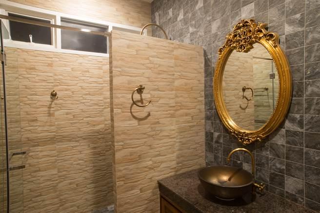 家中廁所內擺40年的鏡子,竟是200年前的皇室御用珍藏(示意圖/達志影像)