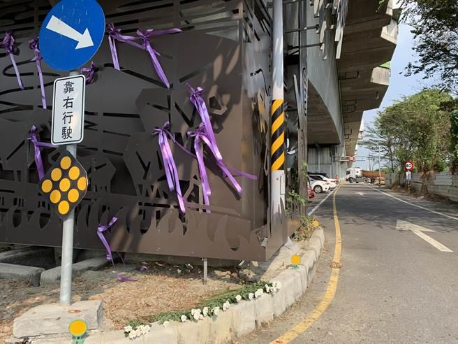 馬國女大生遇害已過多日,學校附近店家今日在女大生遇害路段舉辦追思會。(李宜杰攝)