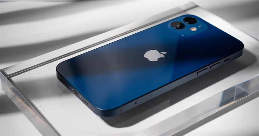 台灣人工作多久買得起iPhone 12?超殘酷真相曝光。圖為蘋果iPhone 12系列新機。(達志影像)