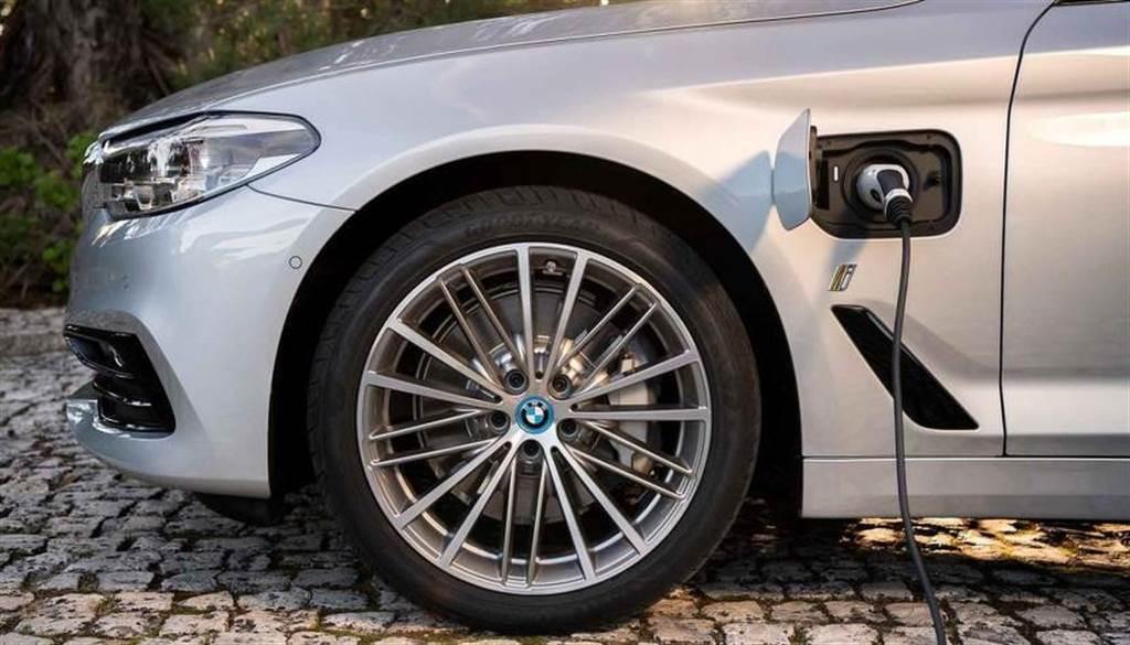 BMW 電動車戰略大轉彎!成立專屬部門開發純電平台、首發車款 2025 年量產