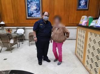 87歲婦人廟會後迷路 中市警步行相伴助返家