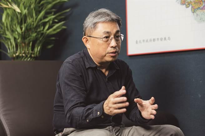 台北市都市發展局副局長羅世譽分享社宅成為社區助力的成果。(攝影/林冠良)