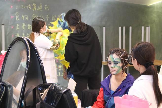 弘光科技大學妝品週不分年級造型競賽。(弘光科大提供)