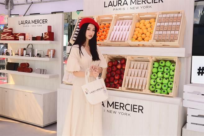 蘿拉蜜思美妝市集現場可DIY手作屬於自己的蘿拉蜜思帆布午餐包!(圖/品牌提供)