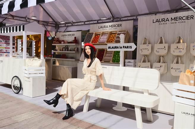 蘿拉蜜思美妝市集有各式法式小點、咖啡,拍照打卡即可享用。(圖/品牌提供)