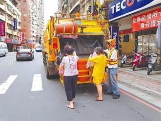 新生兒溢奶死亡 護理師媽媽狠心包屍丟垃圾車
