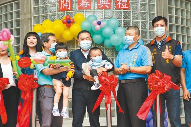 經濟部宣布開放工業區內可設置托嬰中心,不過新北市早在今年9月29日,成立全國第1家工業區內的五權公托中心。(許哲瑗攝)