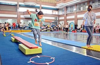 屏東幼兒體操競速賽 小選手連滾帶爬拚獎牌
