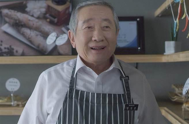 宋在浩經常演出爸爸角色,被封為「國民父親」。(翻攝自NAVER MOIVE)