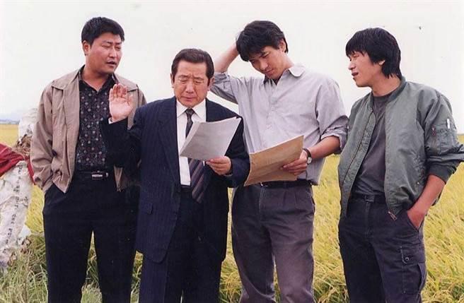 宋在浩曾出演奉俊昊導演名作《殺人回憶》的「申東哲班長」一角。(翻攝自NAVER MOIVE)