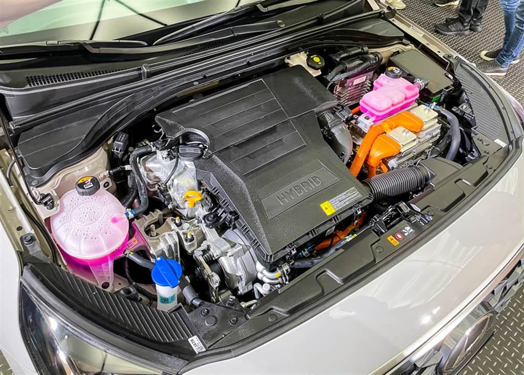引擎維持1.6L Atkinson自然進氣引擎搭配電動馬達配置,可輸出141ps/27kgm最大綜效動力。