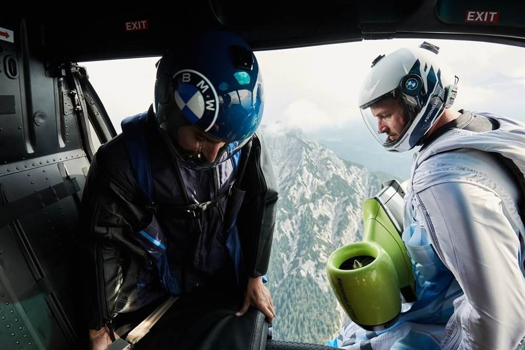 BMW i首次推出電動飛行飛鼠套裝